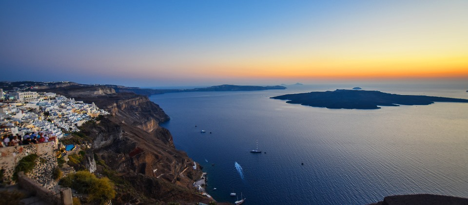 how-to-rent-a-car-in-greece-santorini