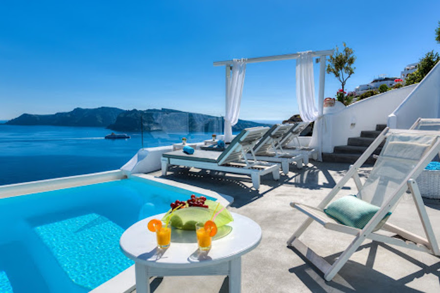 :where-to-stay-wh…santorini-island: ‎